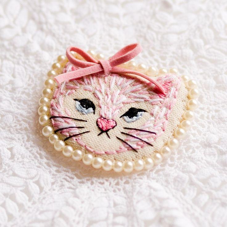 Kitten Art Brooch by Dolly Darling