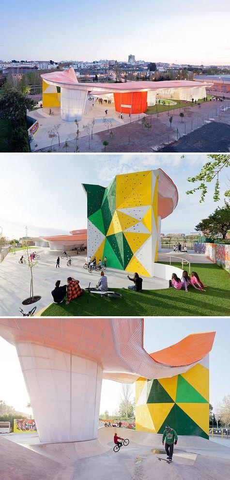 Factoria Joven Skate Park - what a great climbing wall