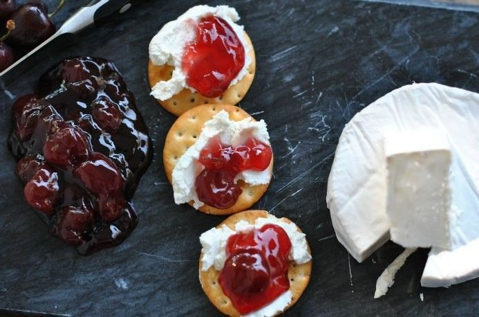 Tips and Tricks for the Perfect Cheese Party Platter via  http://pinterest.com/pin/41376890297557591/