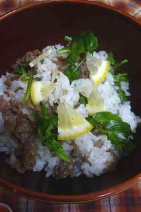 レモン香る牛肉とクレソンのちらし寿司