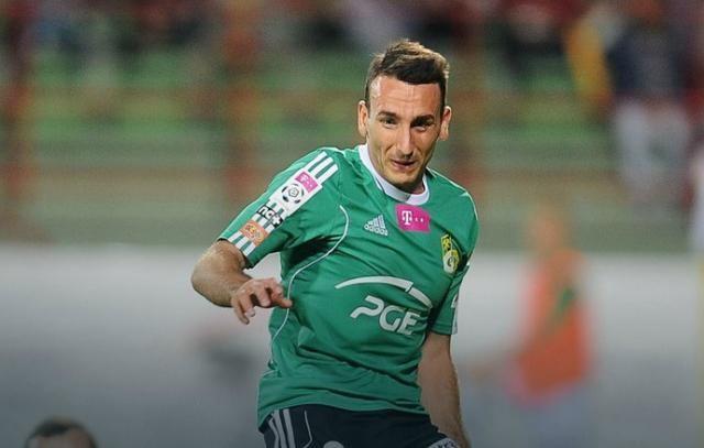 26-letni Andreja Prokić podpisał dziś umowę z drugoligową Stalą Mielec. - Jeśli mam grać w II lidze to najlepiej blisko Rzeszowa - powiedział nam piłkarz.