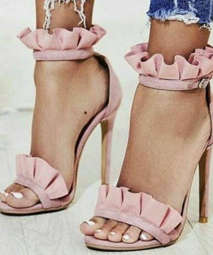 Γυναικεία χειροποίητα πέδιλα. Το τακούνι έχει 11 πόντους ύψος.   http://handmadecollectionqueens.com/γυναικεια-χειροποιητα-πεδιλα-stories-for-queens  #handmade #fashion #sandals #highheel #footwear #summer #spring #women #storiesforqueens #χειροποιητο #μοδα #πεδιλο #υποδηματα #καλοκαιρι #ανοιξη