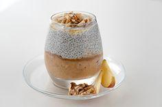 JABOLČNI CHIA PUDING - Sestavine: * 250 ml mleka * 2 jedilni žlici chia semen * 2 jabolki * 1 banana * 1 jedilna žlica medu * oreščki (jaz sem dala orehe). Priprava: https://www.malinca.si/blog/jabolcni-chia-puding/