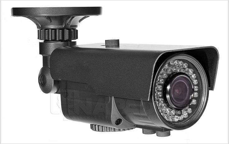 Kamera do monitoringu 24h AT VI600EA z niską podstawą montażową. Przetwornik 1/3 SONY Effio 650/700TVL Regulowany obiektyw: 2.8-12mm Funkcje: ATW AWB BLC AGC AES ATR NR HLC.   Jedna z uznanych kamer do obserwacji w dzień i w nocy VI600EA posiada wbudowany oświetlacz podczerwieni o dużym zasięgu nawet 40m. Niska podstawa montażowa oraz ekranowe menu OSD gwarantują łatwą instalację i komfrotową obsługę urządzenia. Wytrzymała obudowa spełnia wysoką normę IP66. Zobacz nowe kamery…