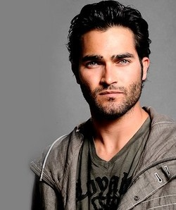 Tyler Hoechlin.....could he be Christian?