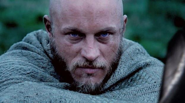 "Ragnar Lothbrok sitting on top of a mountain ""preparing ... Скандинавы Викинги"