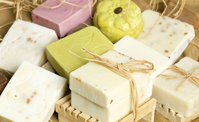 10 receitas de sabão caseiro para você mesma fazer