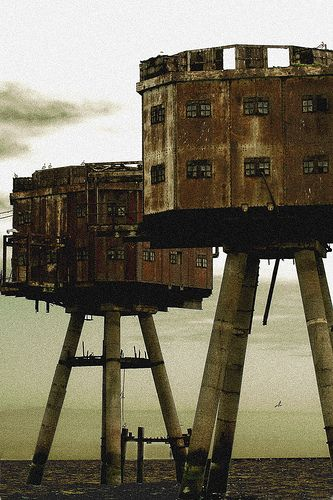 Abandoned Sea Forts in the Thames Estuary, I really really REALLY want to see these!