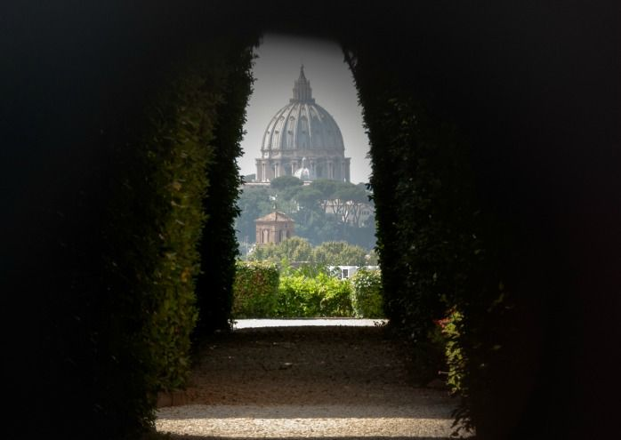 The view through the Aventine Keyhole