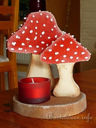 Holzbasteln  Tischdekoration mit Pilzen und Teelicht