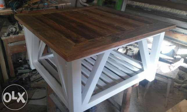 100 zł: Witam, Oferuję różnego rodzaju stoły ,stoliki oraz blaty z litego drewna  pod różne potrzeby . Materiał używany do tych produktów to oryginalnie stare drewno,drewno postarzane ,oraz całkiem nowe .Ws...