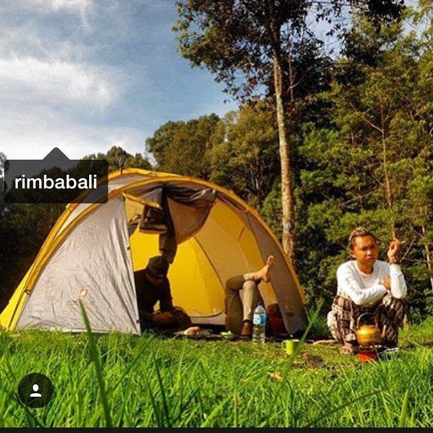 Hari baru tlah datang Menjelang Kehidupan trus berjalan  Pohon-pohon jadikan Teman  Agar kehidupan Tak Terhenti Selamat Pagi Warga Rimba  Nikmati hari mu Seindah mungkin.  #jualhammock #hammocklife #hammockersindonesia #exploreindonesia #jualvans #vans #indotraveller #toronto #ottawa #montreal #travelingindonesia #journesia #hammock #suitzerland #alps #rimbabalihammock #jne #tiki #indonesiaparadisemontainesia #australia #pendakicantik #bali #mataponsel #id_pendaki #instagunung…