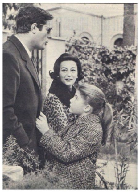 Marcello Mastroianni and Flora Carabella with Barbara Mastroianni