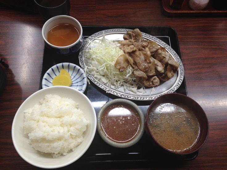 20140825 Kanazawashi Ishikawaken Japan 金沢市 宇宙軒食堂 名物「とんバラ定食」  タレが絶品! シンプルで美味い! 1日限定500食です