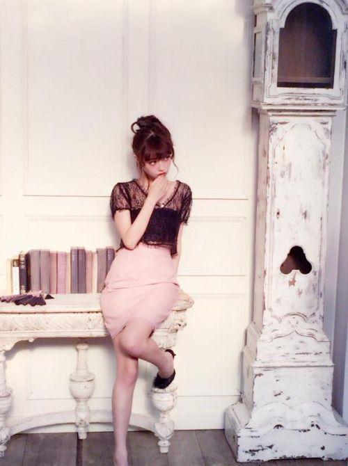 RT @RISA_DOLL: レーストップスに、レースのついたレザーのタイトスカートで、甘辛コーデ レザーだけど甘いっていうバランスが大好き! レーストップス(ホワイト/ベージュ/ピンク/ブラック) レザースカート(ピンク/ブラック) http://flip.it/JFMDK