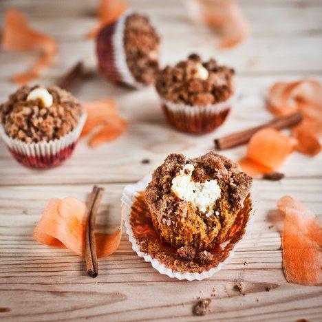 Mrkvové celozrnné muffiny s krémovou náplní  Mrkvové muffiny ukrývají překvapení v podobě krémové náplně; Greta Blumajerová