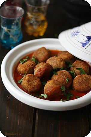 Tajine de Boulettes de Lentilles C'est tout à fait délicieux et surtout, permet de se passer de viande une fois de temps en temps.