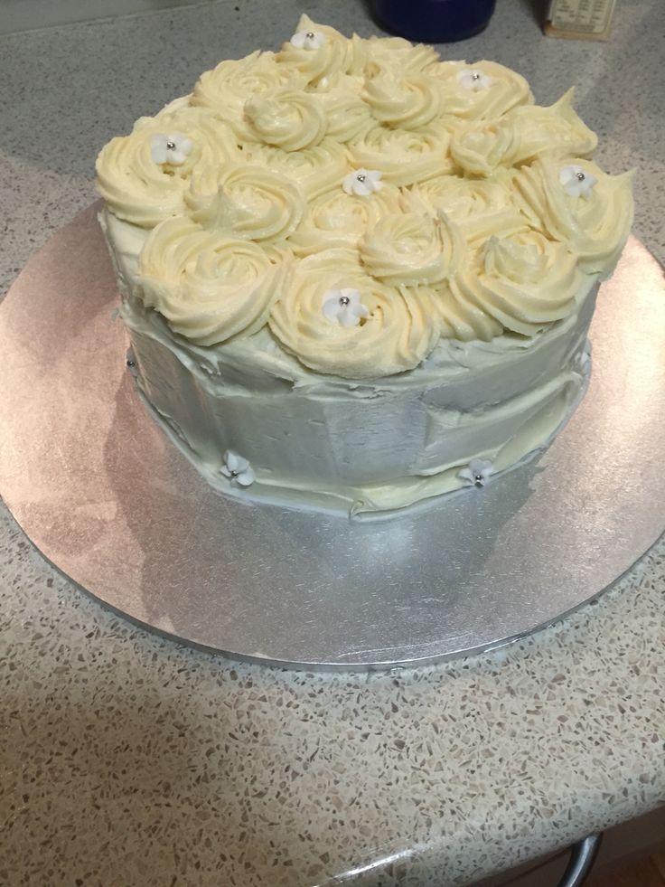 Vanilla sponge and vanilla butter cream cake