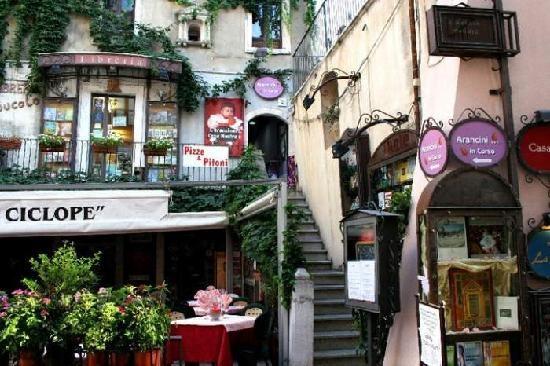 Arancini in Corso (Taormina) - 2.5 Euro per Arancini