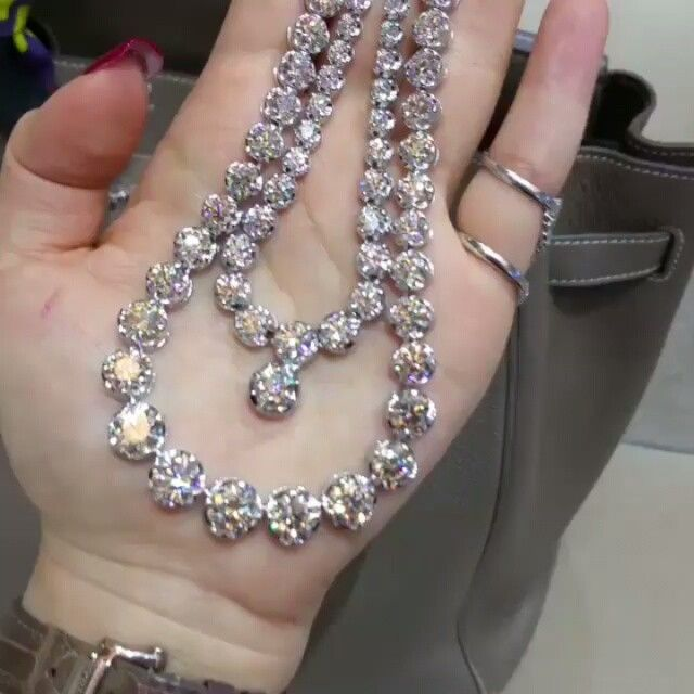 Ohhh la laaa / #diamond #necklace / If you want watch this video please follow us on instagram