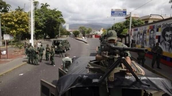 """20 de feb. de 2014 / """"A esto se refería el Sr. Nicolás Maduro cuando dijo que vendría con 'TODO' a #Tachira #Venezuela"""""""