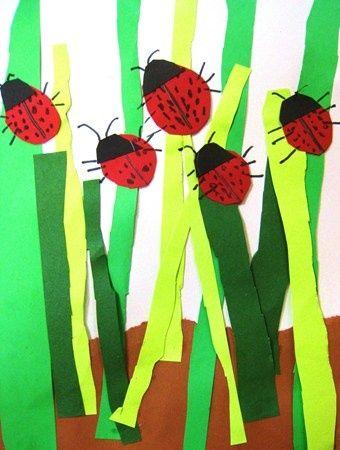 Tapa álbum con mariquitas. Recortar diferentes tiras de color verde para crear el efecto de la hierva del campo