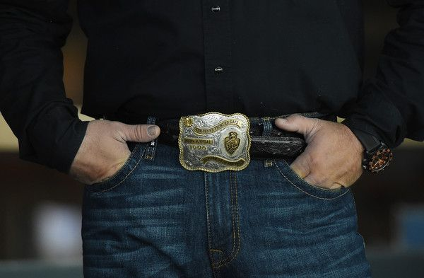 Garth Brooks Photos - Singer/songwriter Garth Brooks, belt buckle detail, attends a news conference to discuss plans for his upcoming concerts at the new Las Vegas Arena on December 3, 2015 in Las Vegas, Nevada. The Las Vegas Arena is scheduled to open in April 2016 and Brooks will perform there on July 2-4, 2016. - Garth Brooks Discusses Plans for Shows at the Las Vegas Arena