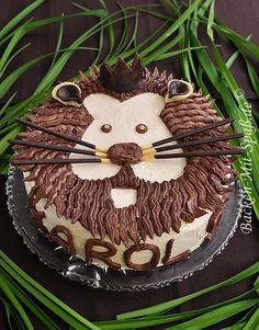 Genau der richtige Geburtstagskuchen für kleine Löwen! Da wird der Kindergeburtstag mit Dschungel-Motto auf jeden Fall ein voller Erfolg. #Kinderparty #Backideen #DIY