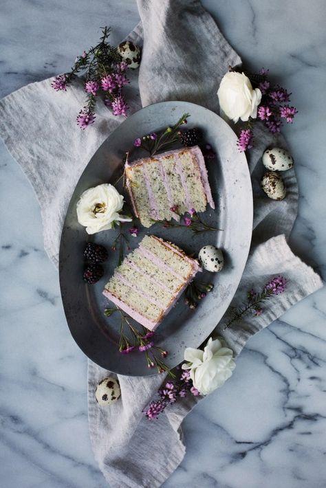 lemon poppy seed cake with blackberry vanilla bean buttercream // http://ohhoneybakes.com