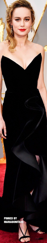 2017 Oscars Awards Red Carpet Brie Larson gown by Oscar de la Renta