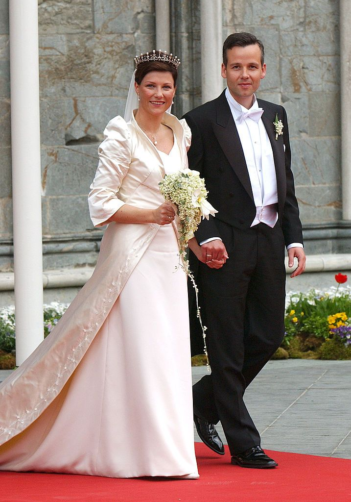 The Wedding Of Princess Martha Louise Of Norway And Ari Behn In... | Royal wedding gowns, Wedding gowns, Norway wedding