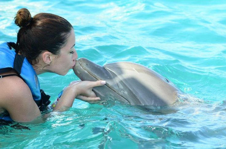 The sweetest kiss ❤️ Isla Mujeres, Mexico