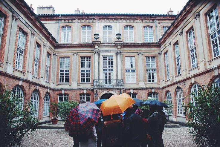 Hôtel de Nupces, rue de la Bourse © C. Sabatier - Office de Tourisme de Toulouse #visiteztoulouse