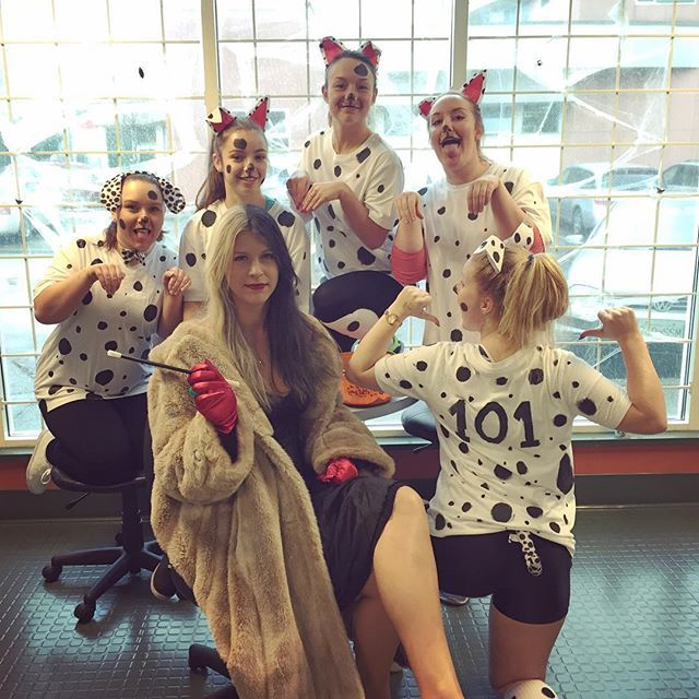 Pin for Later: 15 Last-Minute Costume Ideas For Your Squad 101 Dalmations