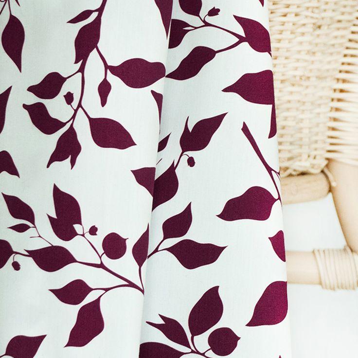 Popelín | Roztodivná zahrada - Kvetoucí burgundská | wilburrina látky