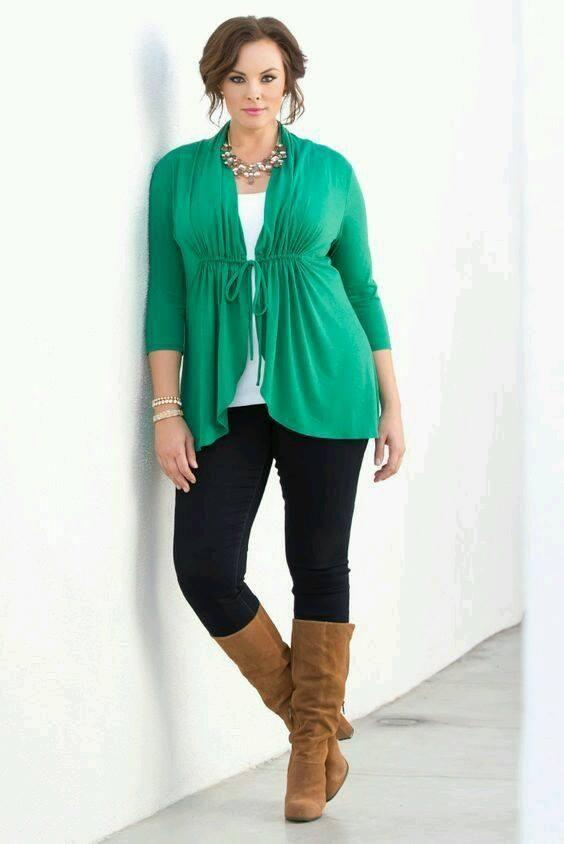 Ideas de outfits combinando verde esmeralda | Belleza