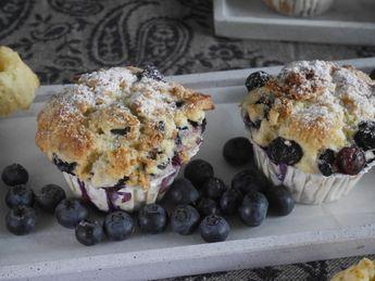 Blueberry Muffins mit frischen Blaubeeren und Quark