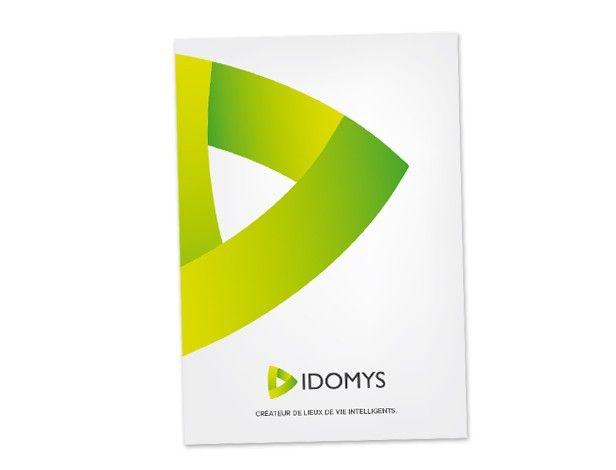 Spécialiste en solutions domotiques pour pros et particuliers, la jeune entreprise Nantaise Idomys nous confie la création de outils de communication : plaquette commerciale et cartes de visite.