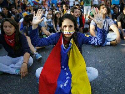 Hercon: el 53,7% de los venezonalos considera que vive en dictadura  Leer noticia completa: www.veonoticia.com