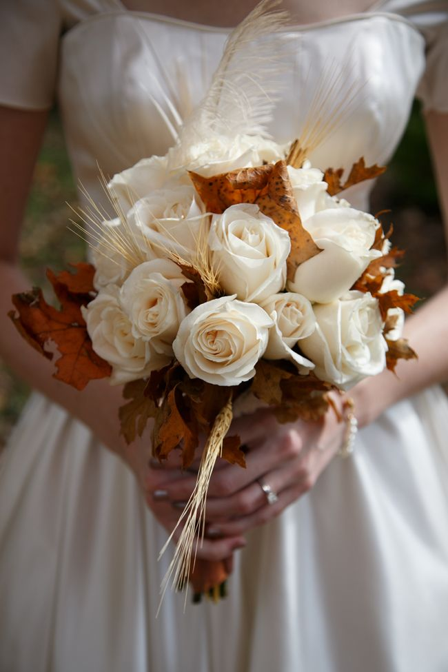 Gorgeous Fall bouquet.: Autumn Bouquets, Fall Leaves, White Rose, Fall Bouquets, Wedding Bouquets, Rose Bouquets, Fall Wedding, Flower, Gorgeous Fall