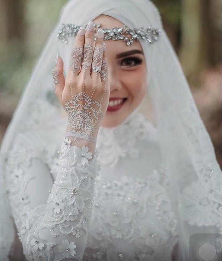 ... Bruiden op Pinterest - Hijab bruid, Bruiloft hijab en Hijab stijlen