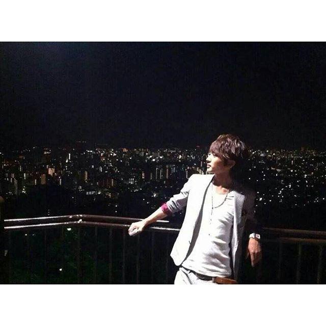 Instagram【kikimisako】さんの写真をピンしています。 《#西島隆弘 #にっしー #nissy #AAA #夜景》