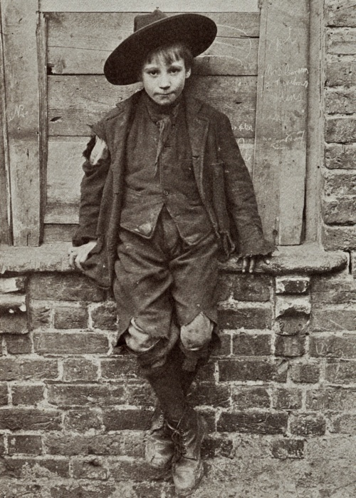 Horace Warner  One of the Spitalfields Nippers  Spitalfields, London, 1912