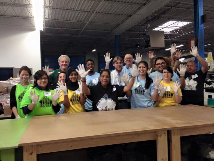 Thank you Oakton Community College for volunteering at the WINGS Logistics center! We appreciate your help and hard work