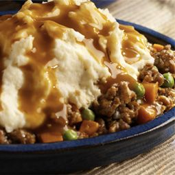 Ingredients •1 pound  Bob Evans Original Recipe Sausage Roll  •1 package  Bob Evans Original Mashed Potatoes (24 oz)  •2 cups  frozen peas and carrots •1 jar  beef gravy (12 oz)  Directions  In medium skillet over medium heat, crumble and cook sausage until brown. Place in slow cooker. Add peas and carrots. Top with mashed potatoes. Pour gravy on top of potatoes. Cover and cook on low for 4 to 6 hours.