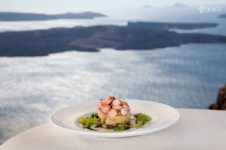 Genuine flavors of the Mediterranean with a Theran twist! Exquisite tastes in every bite! More at tholosresort.gr