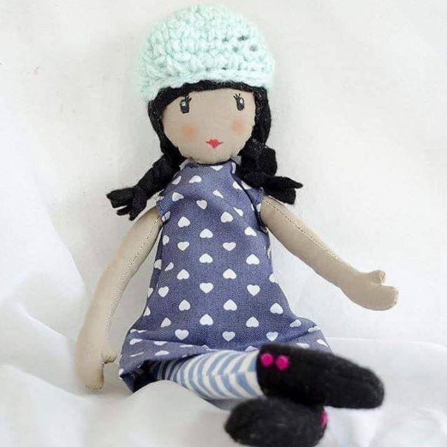 Muñeca hecha a mano bonita diferente y original. Te gusta?  No esperes más y pide la tuya #decorazon #soydecorazon #detodocorazon #muñeca #doll #tela #crochet #hechoamano #handmade #Colima