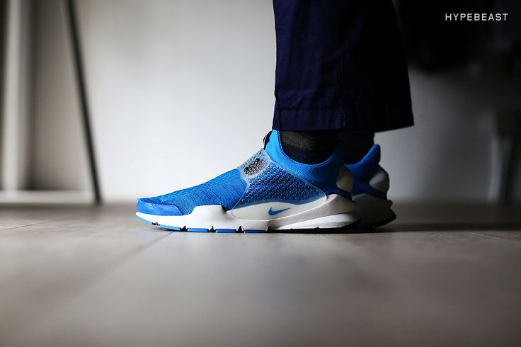 Following up our first look from a few weeks ago, today we present to you a collection of detailed images from our in-house photographers highlighting the anticipated fragment design x Nike Sock Dart...
