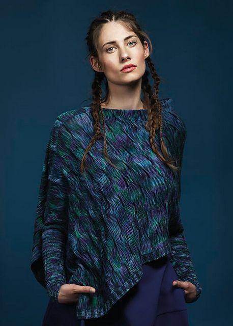 Ravelry: #20 Ärmelponcho Blaue Lagune pattern by Anna Maria Busch