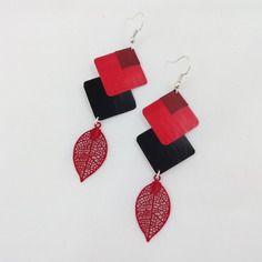 Boucles d'oreille noires, rouges et bordeaux en capsule de café nespresso et feuille filigrane rouge